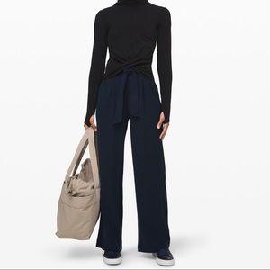 Lululemon Noir Pant - Black, Size 4